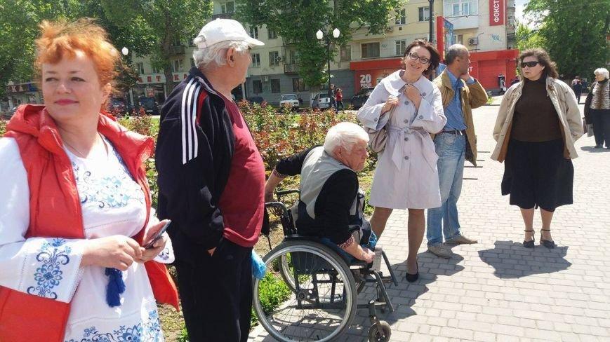 В Херсоне проходит благотворительная ярмарка в поддержку Валентины Крицак (фоторепортаж), фото-6