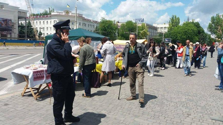 В Херсоне проходит благотворительная ярмарка в поддержку Валентины Крицак (фоторепортаж), фото-3