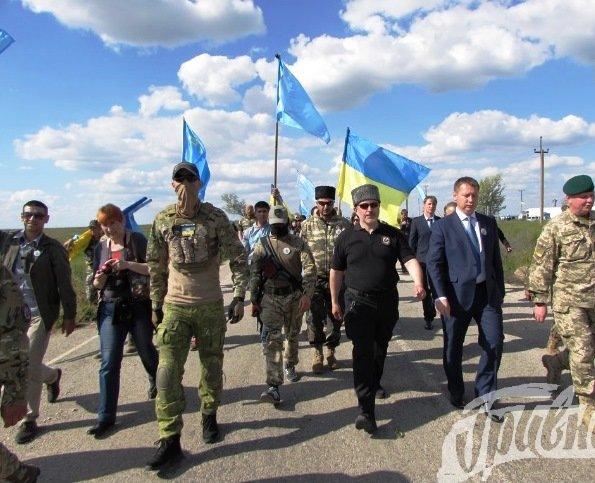 В Чонгаре на вышке установили флаг Украины и крымских татар (фото), фото-1