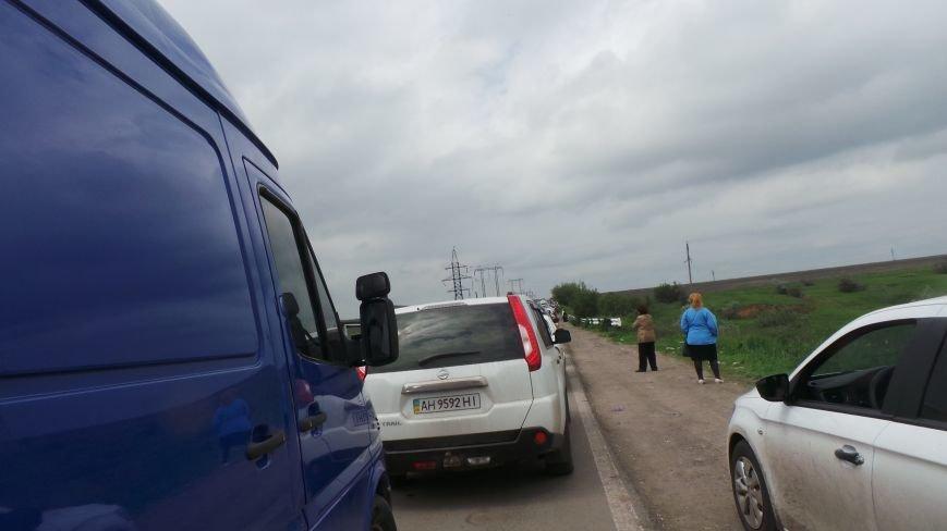 В Донецкой области на КПВВ «Марьинка» выстроилась огромная очередь (ФОТО), фото-1