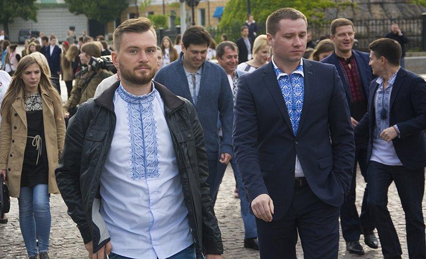 День вышиванки в Киеве: живая цепь объединила две колокольни (ФОТОРЕПОРТАЖ), фото-12