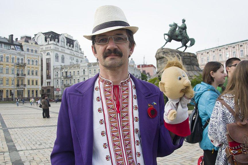 День вышиванки в Киеве: живая цепь объединила две колокольни (ФОТОРЕПОРТАЖ), фото-10