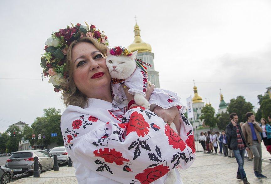 День вышиванки в Киеве: живая цепь объединила две колокольни (ФОТОРЕПОРТАЖ), фото-7