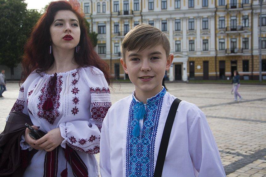 День вышиванки в Киеве: живая цепь объединила две колокольни (ФОТОРЕПОРТАЖ), фото-8