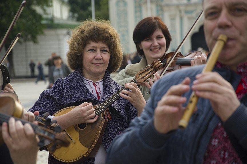День вышиванки в Киеве: живая цепь объединила две колокольни (ФОТОРЕПОРТАЖ), фото-6