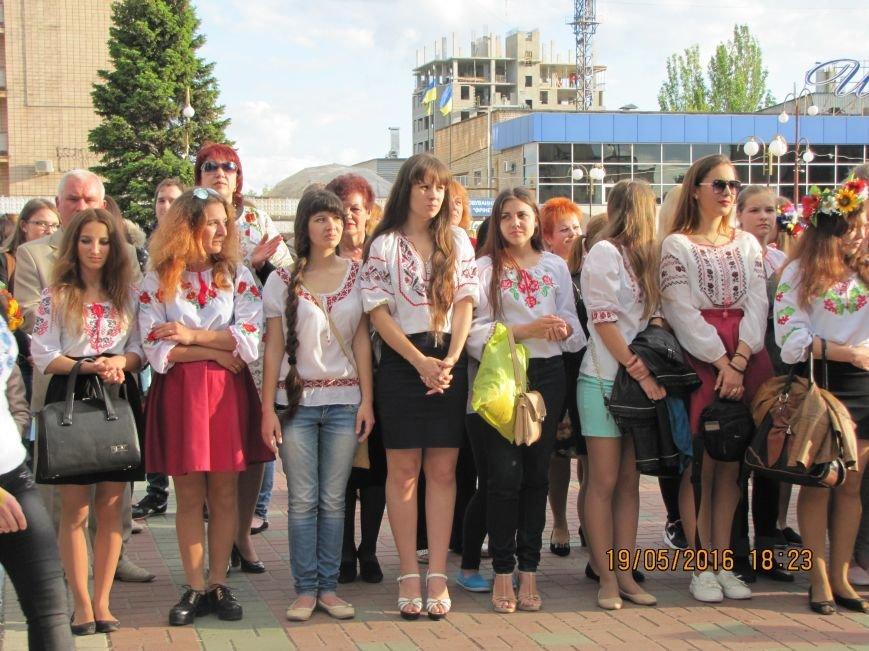 Мелитопольцы вышли на парад в вышиванках, фото-3