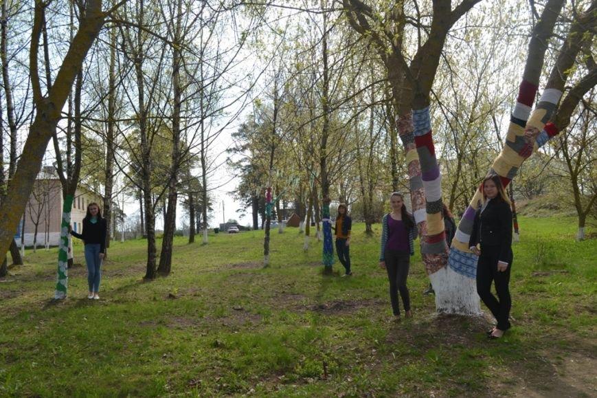 «Платья» для деревьев сшили в Полоцком районе (+ фото), фото-2