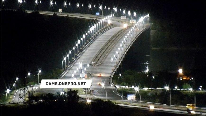 В Днепродзержинске завершилась реконструкция освещения на Левобережном мосту, фото-1