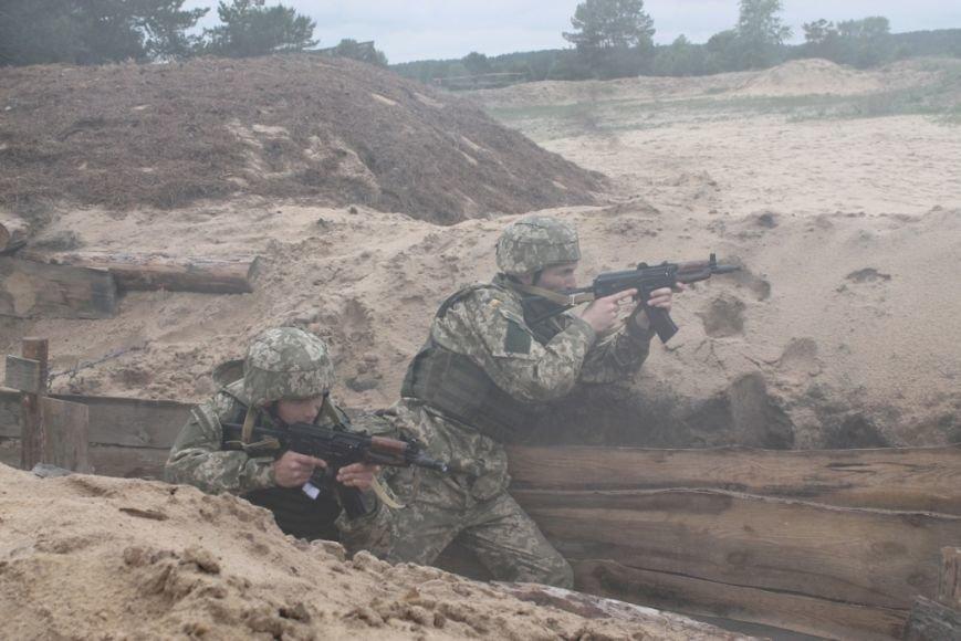 В Черниговской области военные привыкали к стандартам НАТО (фото), фото-3