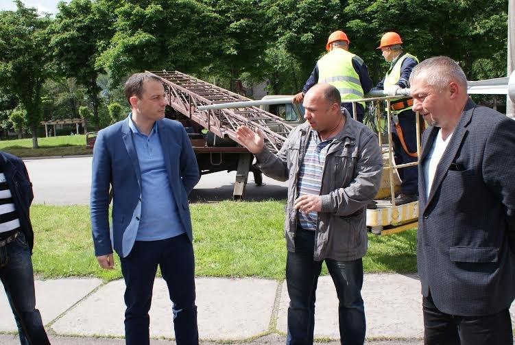 В Днепродзержинске приступили к капремонту освещения по Аношкина, фото-2