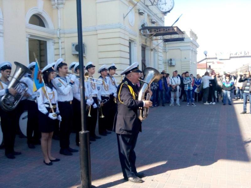 В Херсоне утром встретили первых гостей фестиваля «Мельпомена Таврии» (фото), фото-1