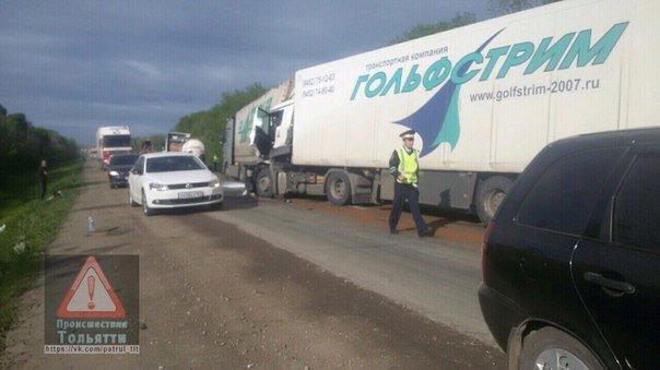 На трассе возле Ульяновской области столкнулись три фуры. ФОТО, фото-2
