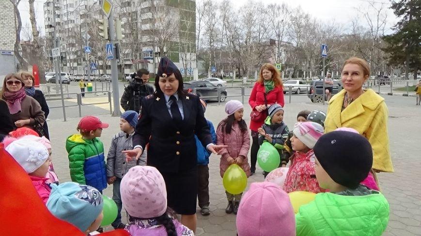 """Инспекторы ГИБДД проводят в Южно-Сахалинске операцию """"Ребёнок пешеход"""", фото-1"""