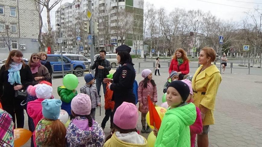"""Инспекторы ГИБДД проводят в Южно-Сахалинске операцию """"Ребёнок пешеход"""", фото-2"""