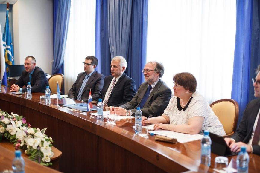 Делегации Нидерландов и Европейского союза принимали в мэрии Южно-Сахалинска, фото-1