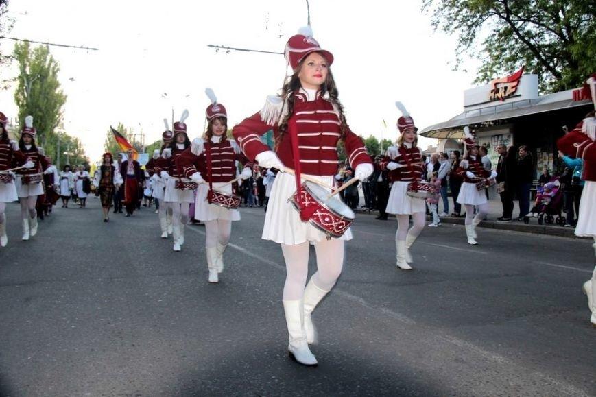 В Херсоне состоялось Карнавальное шествие, посвященное открытию фестиваля «Мельпомена Таврии», фото-3