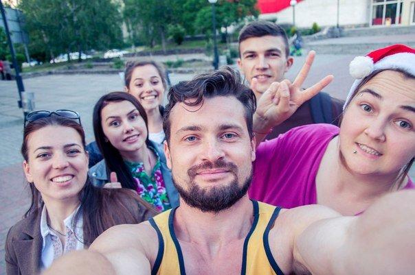 В центре Мелитополя молодежь гуляла в купальниках, фото-2