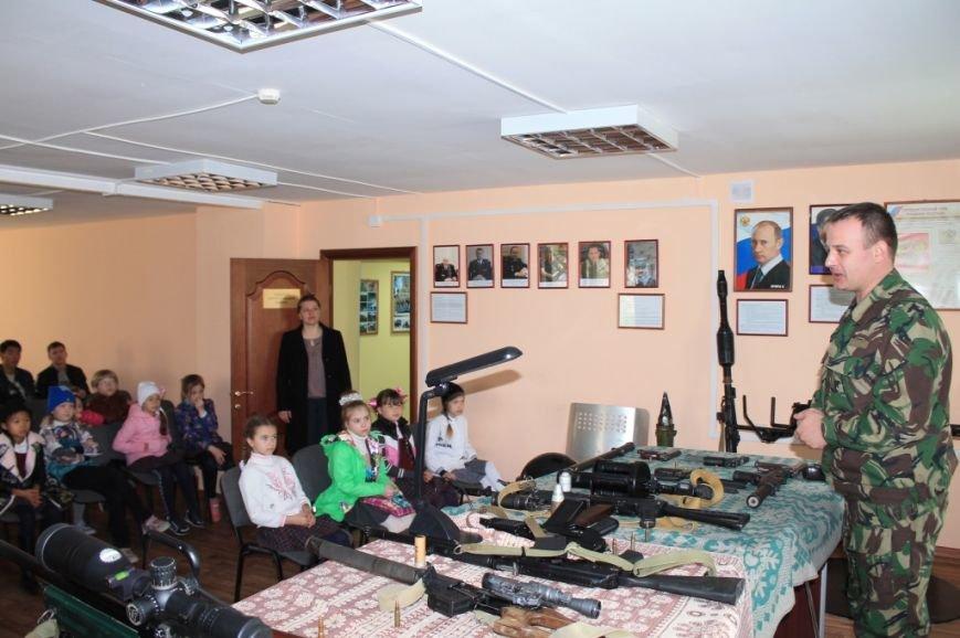 Учащиеся посетили специализированную базу ОМОН (3)