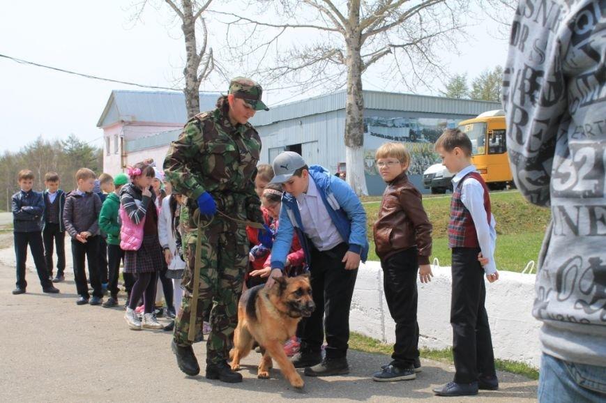 Учащиеся посетили специализированную базу ОМОН (11)