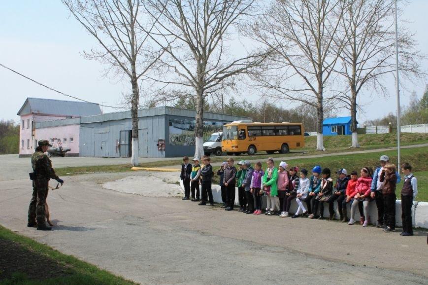 Учащиеся посетили специализированную базу ОМОН (9)