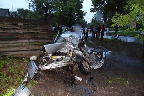 В ДТП в Черниговской области погибли отец и мать 8-летнего ребенка. Мальчик чудом остался жив, фото-2