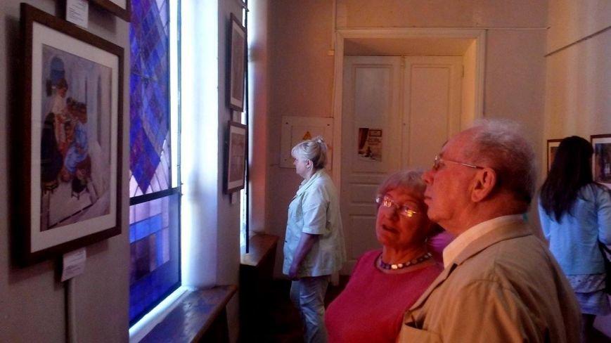 В Херсоне открылась выставка израильского художника, создавшего герб Тель-Авива и получившего премию Г.Х. Андерсена (фото), фото-4