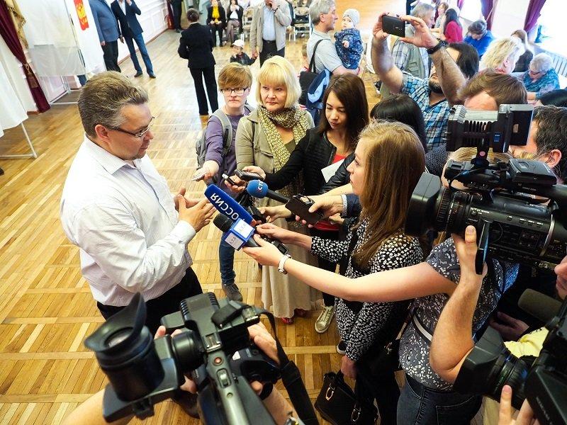 Владимир Владимиров проголосовал на предварительных выборах «Единой России», фото-5