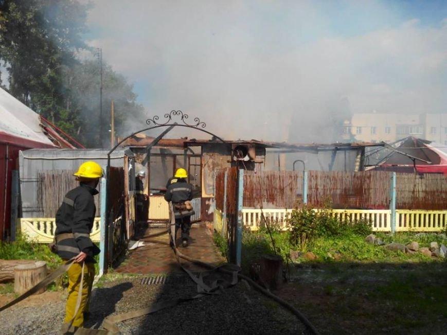 В поселке под Мелитополем горело кафе, фото-1