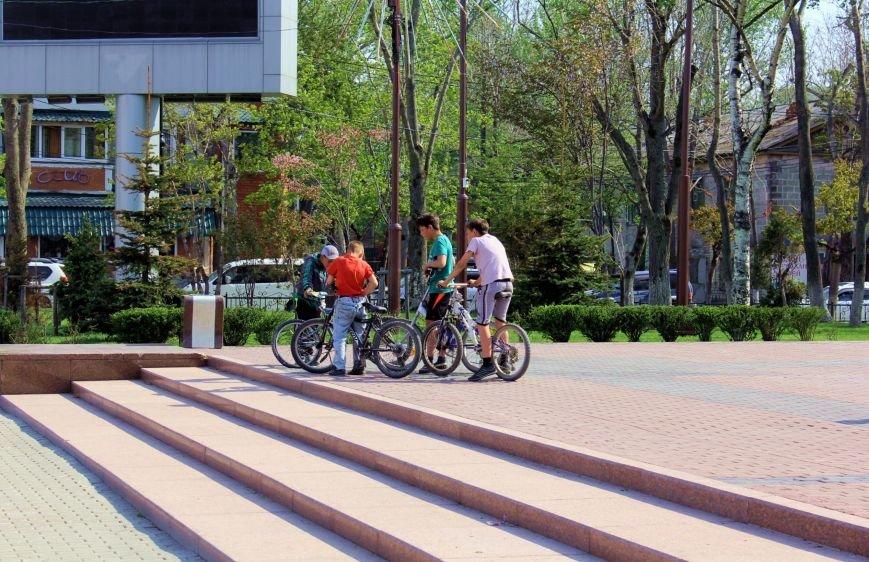 Южносахалинцы гуляют по городу с фотоаппаратом, фото-3