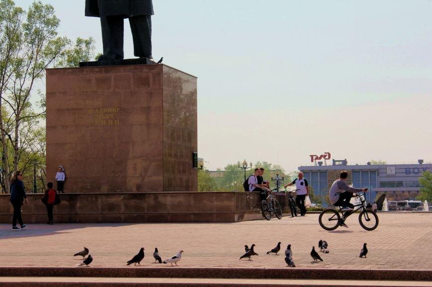 Южносахалинцы гуляют по городу с фотоаппаратом, фото-2