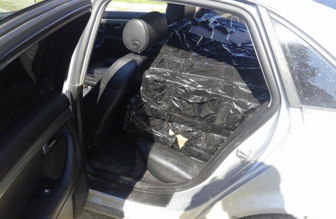 Буковинські прикордонники попередили контрабанду цигарок та затримали 3-ьох осіб, фото-4