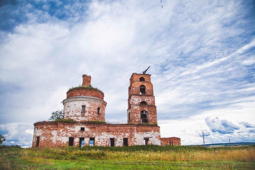 Ульяновский фотограф покажет красоту заброшенных храмов, фото-1