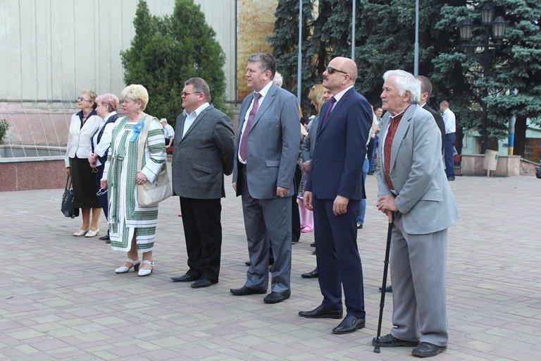 У Чернівцях відбулось покладання квітів з нагоди 155-тої річниці з дня перепоховання Тараса Шевченка, фото-3