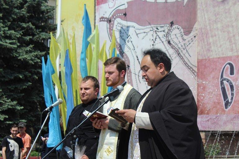 У Чернівцях відбулось покладання квітів з нагоди 155-тої річниці з дня перепоховання Тараса Шевченка, фото-8