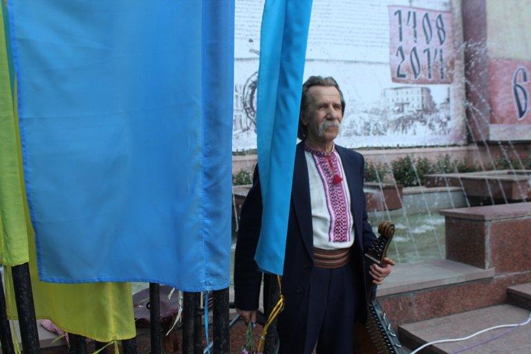 У Чернівцях відбулось покладання квітів з нагоди 155-тої річниці з дня перепоховання Тараса Шевченка, фото-5