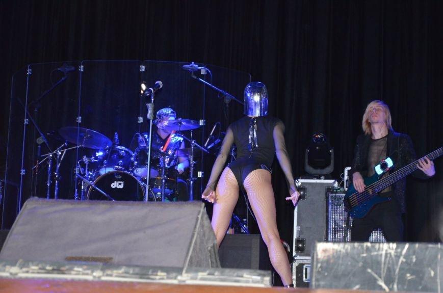 В Мариуполе Лобода раздела танцоров и кружила по сцене на гироскутере (ФОТОРЕПОРТАЖ+ВИДЕО), фото-19