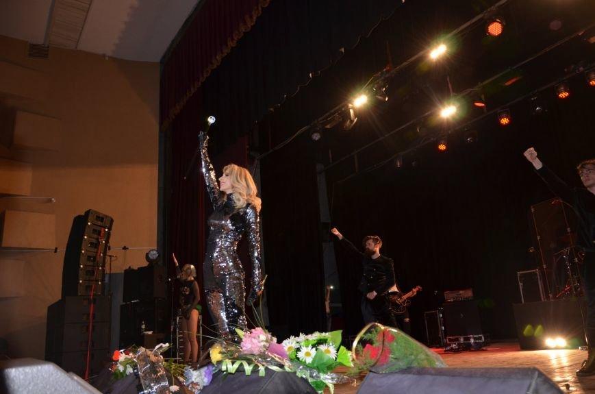 В Мариуполе Лобода раздела танцоров и кружила по сцене на гироскутере (ФОТОРЕПОРТАЖ+ВИДЕО), фото-15