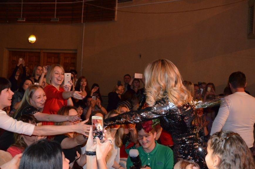 В Мариуполе Лобода раздела танцоров и кружила по сцене на гироскутере (ФОТОРЕПОРТАЖ+ВИДЕО), фото-13
