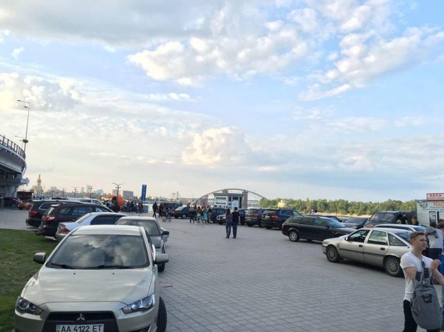 Почтовая площадь Киева опять превратилась в парковку (ФОТО), фото-2
