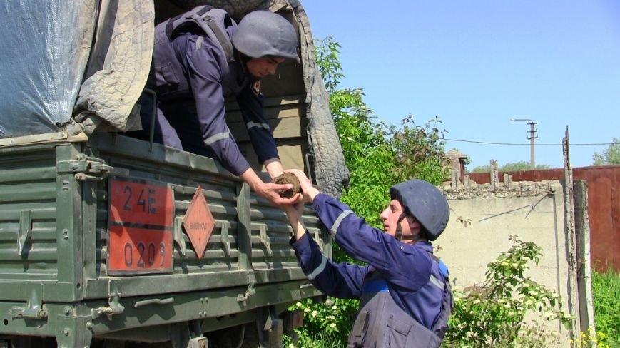 На Буковині знешкодили два вибухонебезпечні предмети, фото-3