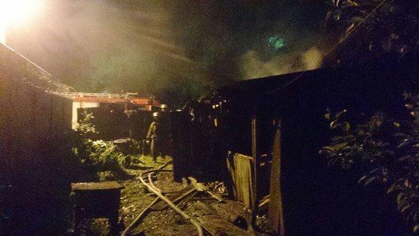 В Каменском горел частный дом по улице Курская, фото-2