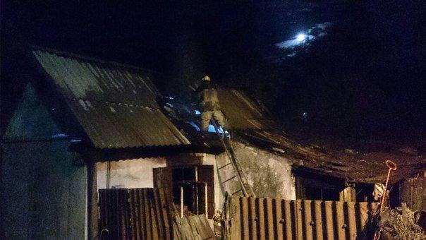 В Каменском горел частный дом по улице Курская, фото-1