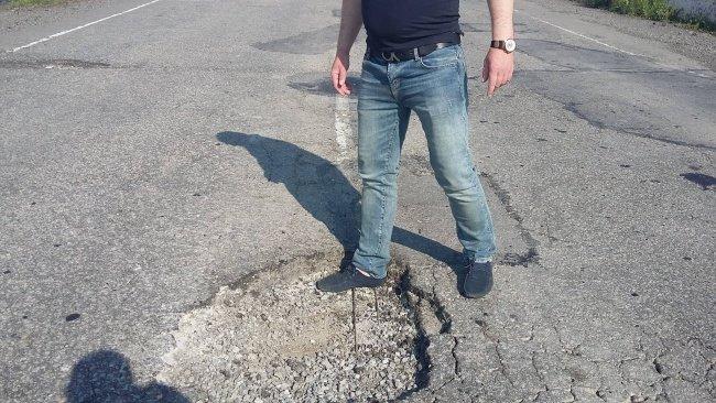 Ямы на дороге Днепропетровск-Павлоград чуть не стоили жизни двум пострадавшим в ДТП, фото-2