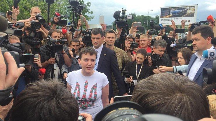 savchenko-v-ukraine-foto-oksana-loj_rect_a932adb851ecf7f36f599a95c9a2cc29