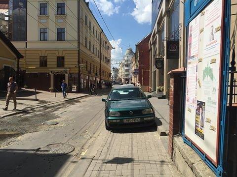 Паркування по-чернівецьки або де залишають машини чернівецькі водії, фото-10