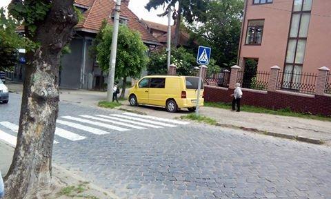 Паркування по-чернівецьки або де залишають машини чернівецькі водії, фото-6