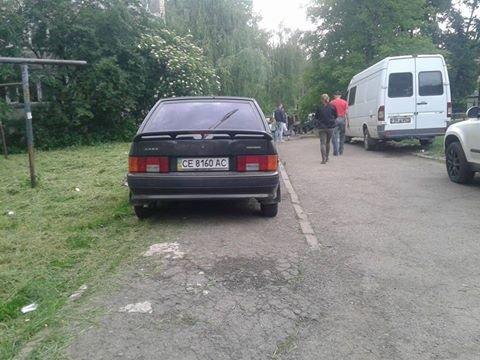 Паркування по-чернівецьки або де залишають машини чернівецькі водії, фото-2