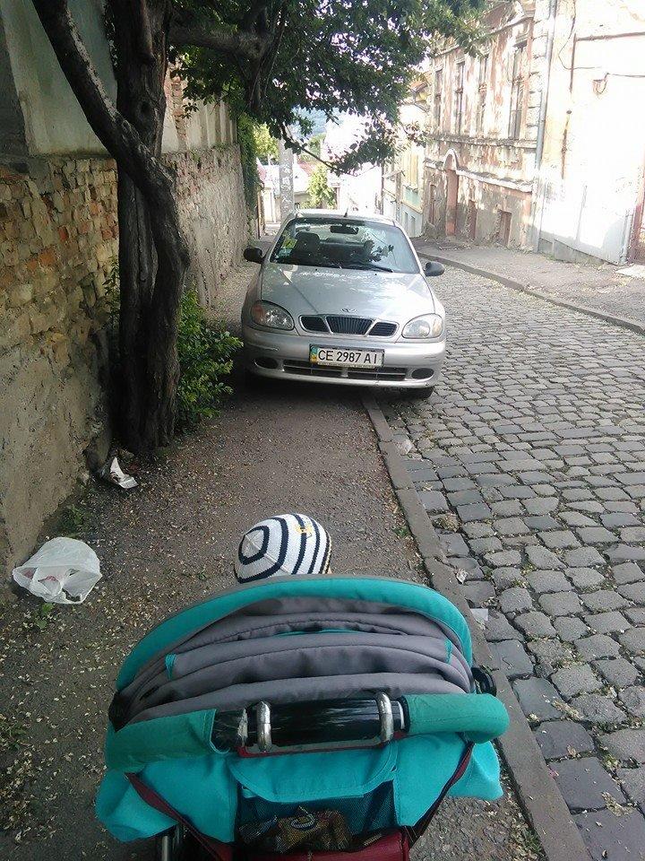 Паркування по-чернівецьки або де залишають машини чернівецькі водії, фото-12