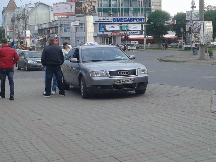Паркування по-чернівецьки або де залишають машини чернівецькі водії, фото-3