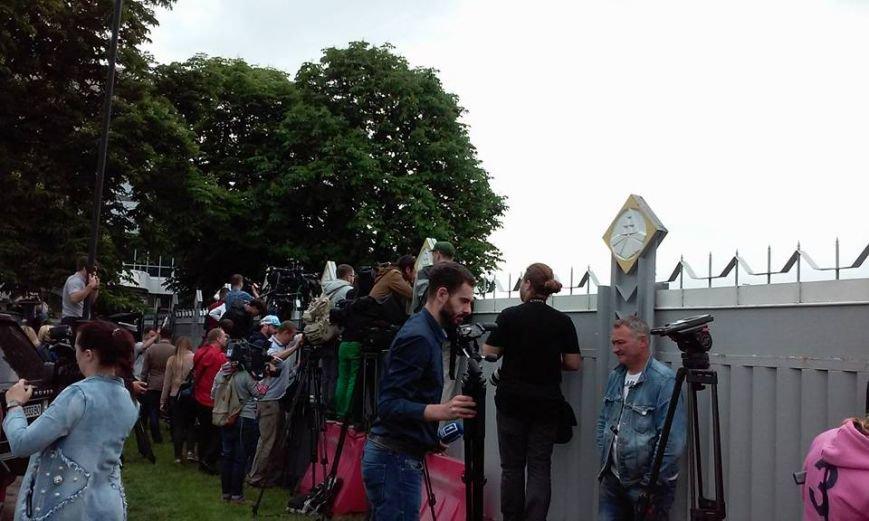 Украинские журналисты встречают Надежду Савченко (фото), фото-1
